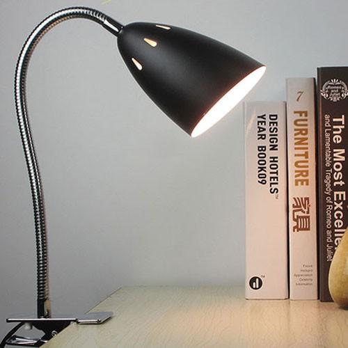 Hình ảnh Đèn kẹp bàn học sinh đơn giản
