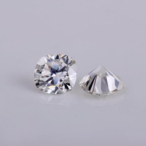 Đá moissanite 5x5mm cushion cut hiệu ứng bút thử kim cương