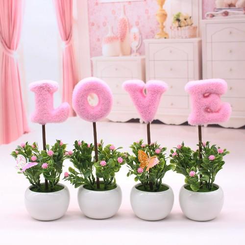 Bộ Chậu Hoa Chữ LOVE màu hồng