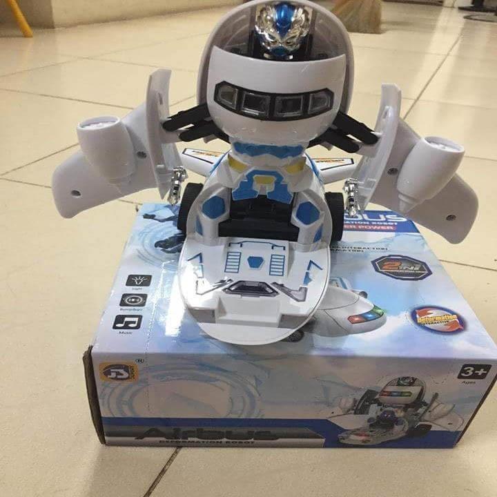 Máy bay biến hình thành robot và phát nhạc cho bé 4