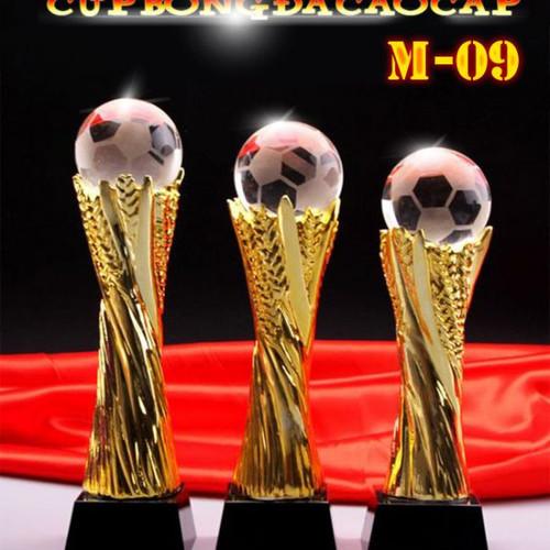 Cúp bóng đá pha lê M-09