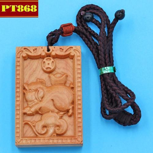 Vòng cổ mặt gỗ hoàng đàn khắc hình tuổi Hợi DTH3