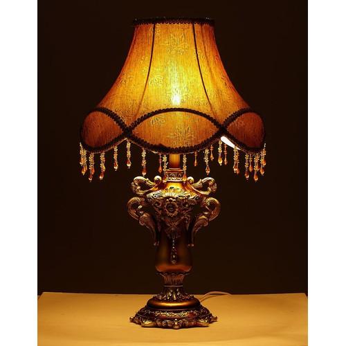Đèn ngủ phong cách Hoàng Gia cổ điển DNL22 đã kèm bóng