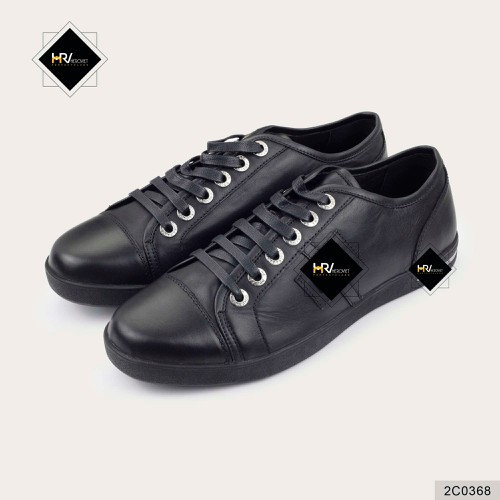 Giày sneaker đen tuyền LVTN 2C0368