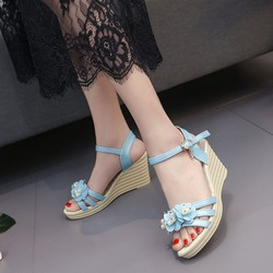 Sandal đế xuồng màu xanh dương