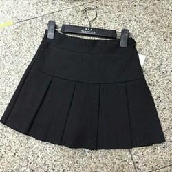 Chân váy xếp ly kèm quần bên trong xinh xắn