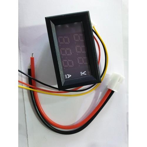 Đồng hồ đo hiển thị điện áp và cường độ dòng 10A