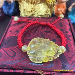 Mặt hồ lý chúa 9 đuôi đá thạch anh tóc vàng tết vòng tay chỉ đỏ