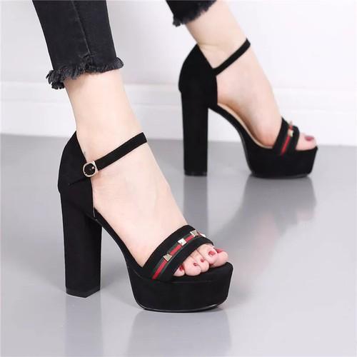 Giày cao gót viền đỏ đính đinh tán cao cấp- CG65