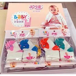 combo 2 cặp vớ sơ sinh cho bé từ 0 đến 3 tháng tuổi