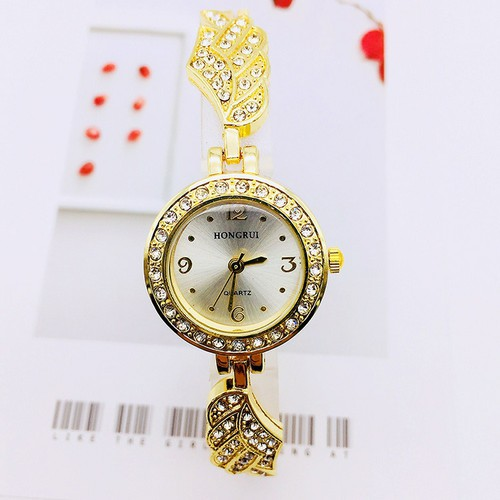 Đồng hồ lắc tay nữ oval thời trang hr4291