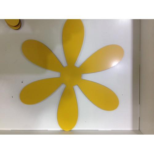 Bộ TrangTrí 3 hình bông hoa 3D ALU  Màu sắc: màu vàng