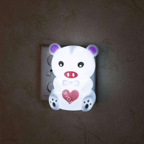 Đèn led ngủ hình gấu tiện lợi
