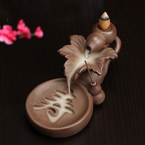 Thác khói trầm hương tượng chiếc lá khắc chữ Thọ  màu nâu tặng 10 nụ trầm hương