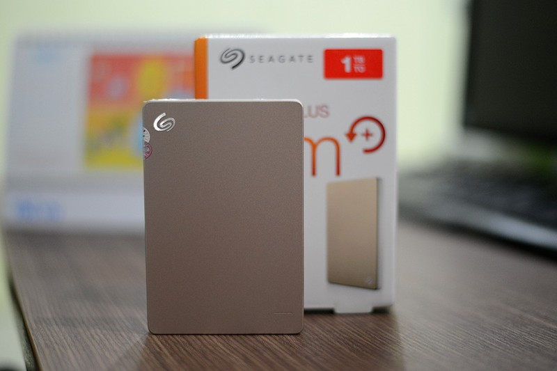 Ổ cứng di động Segate Backup Slim Plus 500GB 3