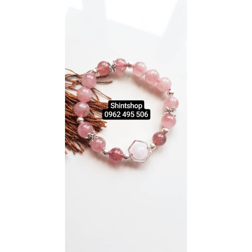 Vòng tay thạch anh hồng phối dâu tây thiết kế đơn giản 550k