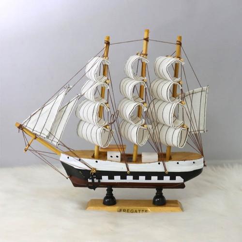 Thuyền buồm phong thủy thuận buồm xuôi gió TBL17