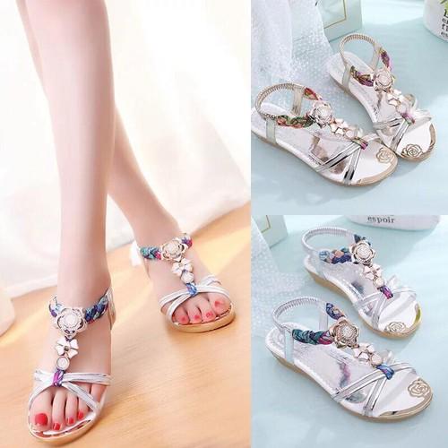 Sandal đính đá hoa pha lê