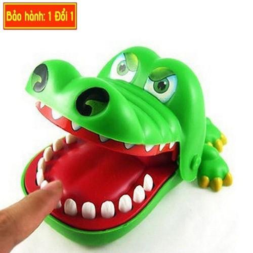 Cá sấu cắn tay là một trò chơi từ đồ chơi khám răng cá sấu