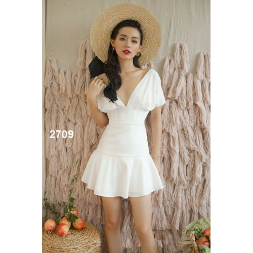 Đầm xòe trắng cổ chữ V