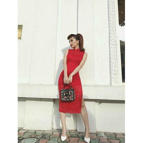 Đầm ren sườn xám model
