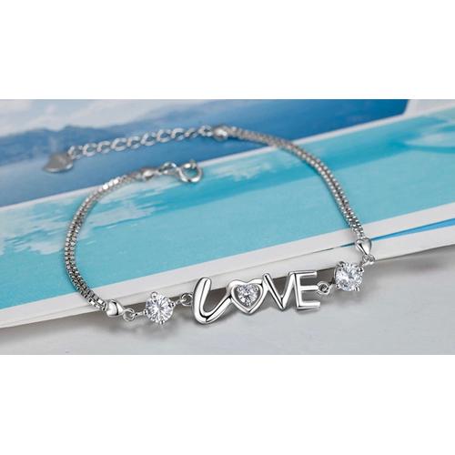 Vòng tay chữ Love đính đá