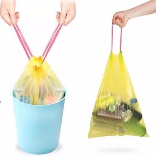 COMBO 3 cuộn túi đựng rác có quai sách - giao màu, mẫu ngẫu nhiên