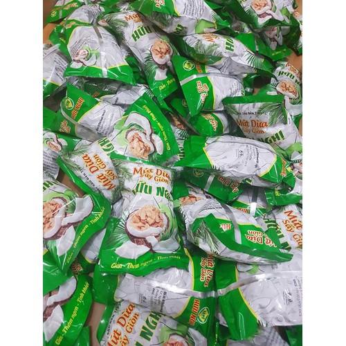 gói mứt dừa sấy giòn
