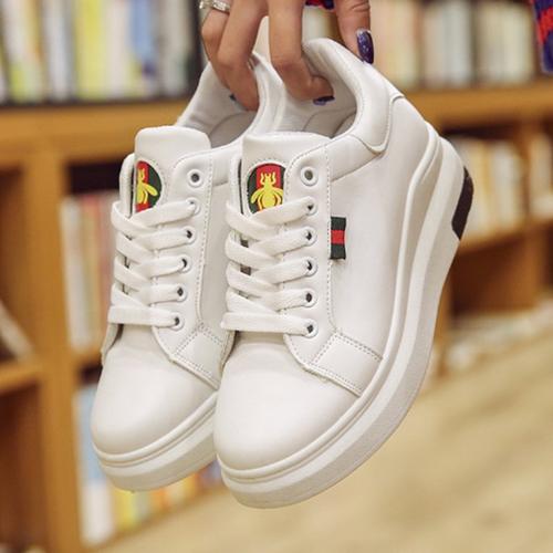 Giày nữ đẹp màu trắng hình con ong đế độn cá tính mới 2019 - 4605176 , 13747958 , 15_13747958 , 289000 , Giay-nu-dep-mau-trang-hinh-con-ong-de-don-ca-tinh-moi-2019-15_13747958 , sendo.vn , Giày nữ đẹp màu trắng hình con ong đế độn cá tính mới 2019