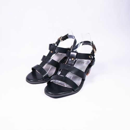 Giày Xăng Đan Gót Vuông 5cm Quai Dày Màu Đen – SD501