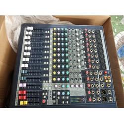 Mixer Soundcraft MFX 8-2