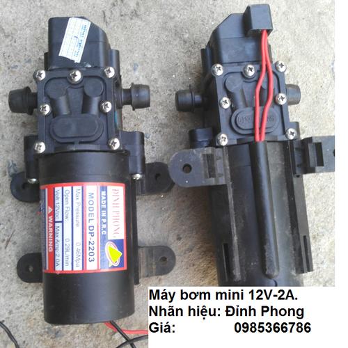 Máy bơm nước mini 12v 2A dùng để tưới cây phun phân thuốc cho lan