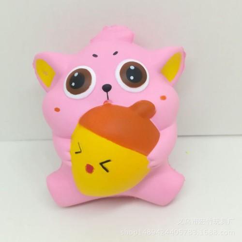 Squishy mèo ôm cà rốt thaolinh950