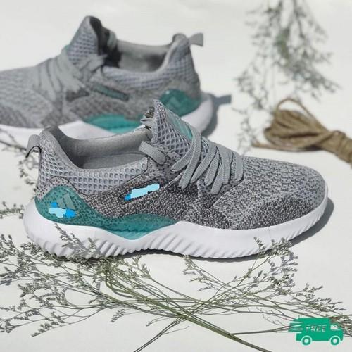 Giày thể thao nam có video của sản phẩm khách hàng được kiểm tra hàng trước khi thanh toán