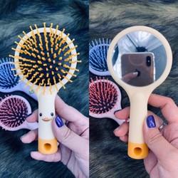 lược chải tóc giả