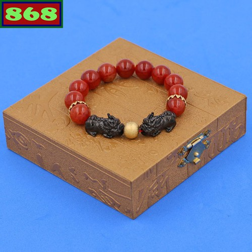 Vòng tay đá vân rồng đỏ 12 ly tỳ hưu inox đen vvrothhev12 hộp gỗ