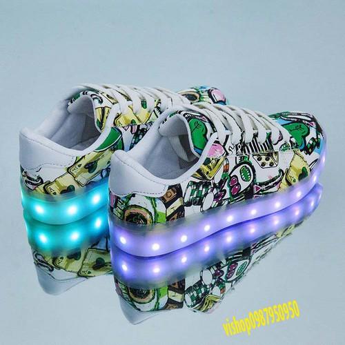 Hàng có sẵn giày họa tiết lá bài phát sáng 7 màu