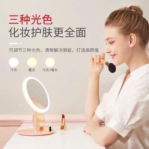 Gương trang điểm kết hợp đèn