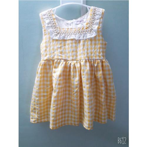 Đầm trẻ em.