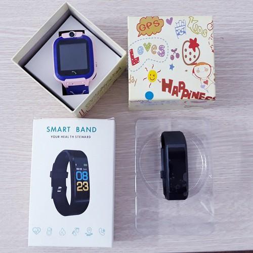 Combo đồng hồ thông minh định vị a28 cho bé tặng kèm vòng tay thông minh cho mẹ - 20249738 , 22885688 , 15_22885688 , 529000 , Combo-dong-ho-thong-minh-dinh-vi-a28-cho-be-tang-kem-vong-tay-thong-minh-cho-me-15_22885688 , sendo.vn , Combo đồng hồ thông minh định vị a28 cho bé tặng kèm vòng tay thông minh cho mẹ