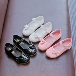 Giày bé gái