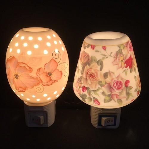 Đèn xông tinh dầu mini kiêm đèn ngủ