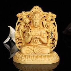 Tượng Phật Đại Thế Chí Bồ Tát Tặng vòng đeo tay để trên bàn với trên taplo ôtô