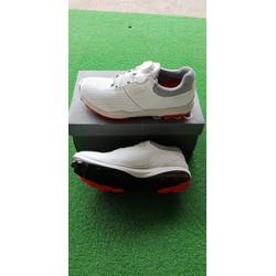 giầy golf