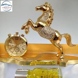 Nước hoa xe hơi hình con ngựa kèm đồng hồ