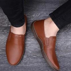 Giày nam da bò nguyên tấm , đế cao su cao cấp , mẫu giày thời trang ,trẻ trung phong cách mới.Được kiểm tra hàng.
