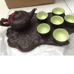 Ấm trà  Bát Tràng đắp nổi hoa sen khay lót hình lá