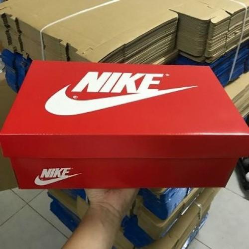 Hộp giày chỉ bán kèm khi đặt giày