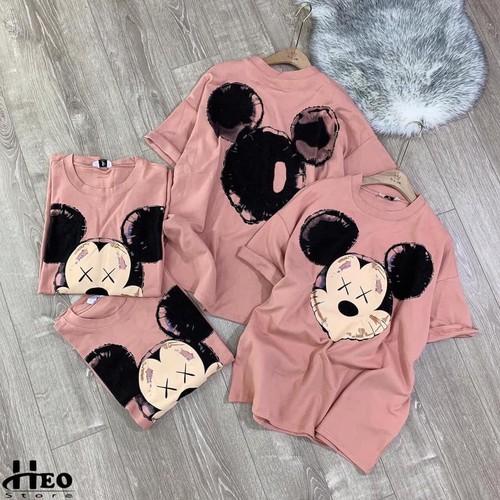 Áo phông mickey hồng dáng rộng