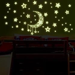 Sticker dán tường dạ quang hình mặt trăng và ngôi sao dùng trang trí phòng ngủ
